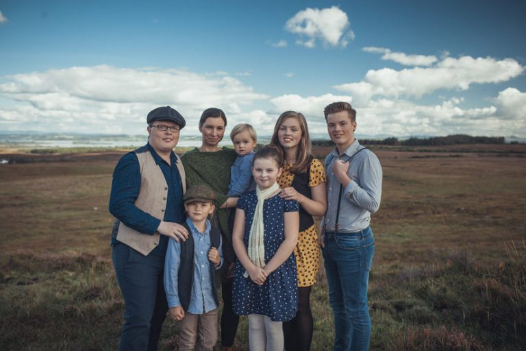 Angelo Kelly and Family